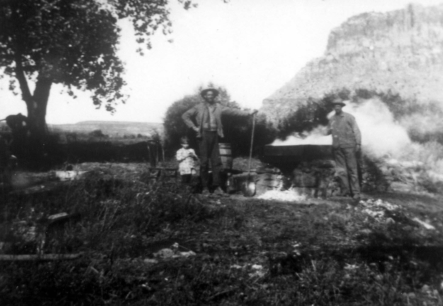 Making Sorghum on the Floral  Ranch. Teton Hanks Jackman collection.
